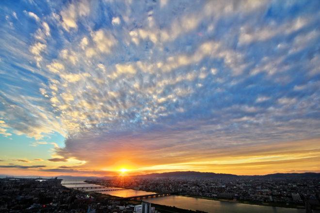梅田スカイビル 空中庭園から望む夕景