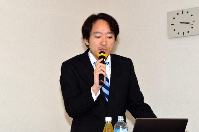 近畿生コン輸送協同組合・事務局長の富永均氏は、『ミキサー車の乗務における安全対策』を講演
